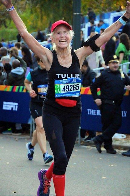 Sue Landa finishes her first marathon at age 65